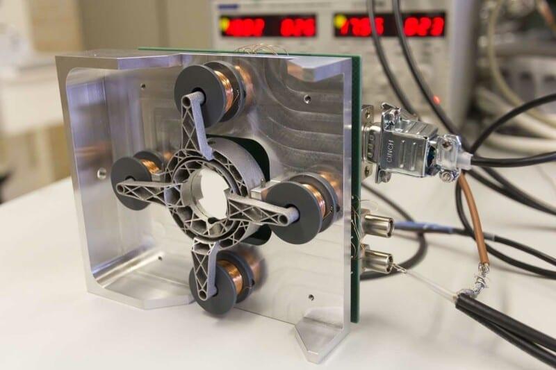 In opdracht van Nikhef werden 20 aluminium gimbals 3D geprint voor de European Gravitational Observatory bij Pisa.